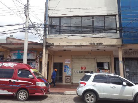 Edificio En Venta Zona Los Pozos Una Cuadra Antes Del 1er Anillo