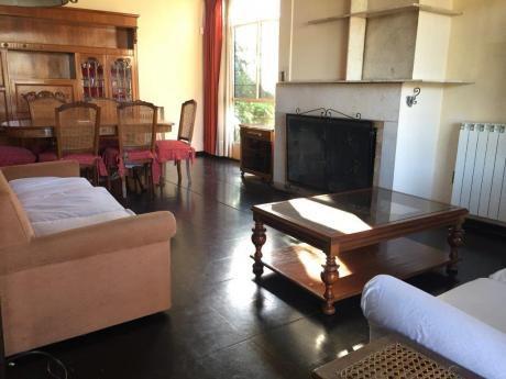 Casa Muy Amplia En Alquiler. 3 Dormitorios