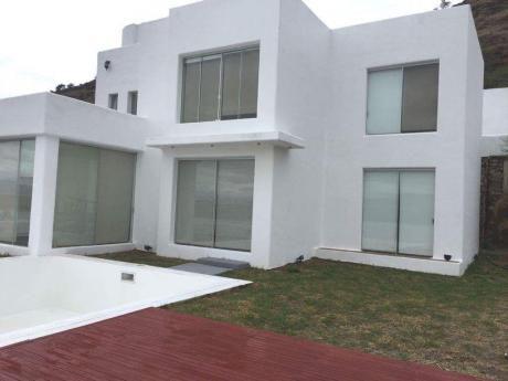 Hermosa Casa A Orillas Del Lago San Jacinto En El Departamento De Tarija