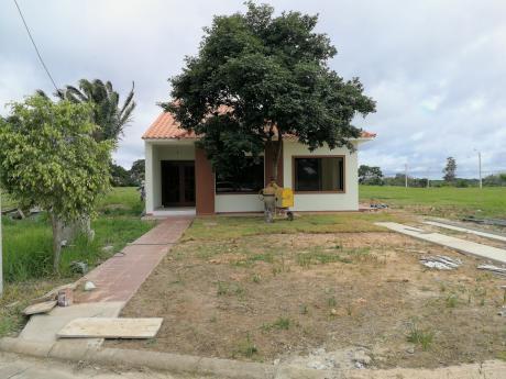 Casa En Venta En Condominio Florida II - Urubó