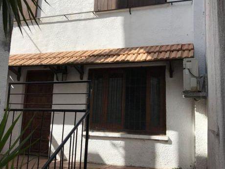 Duplex Tipo Casa! Próximo A Canal 12