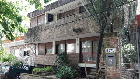 Se Vende Casa En Buceo 4 Dormitorios 3 Baños, Garaje X 2 Parrillero