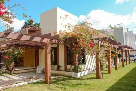 En Alquiler O En Venta Hermosa  Casa En Urbari
