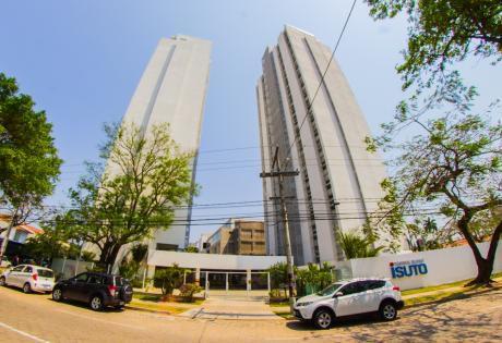 Departamento Amoblado En Alquiler, En La Mejor Zona De La Ciudad.