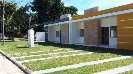 Hermosa Casa En Venta - Condominio Icarai