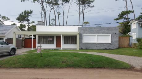 Vivienda A Dos Cuadras De La Playa - Pinares P32