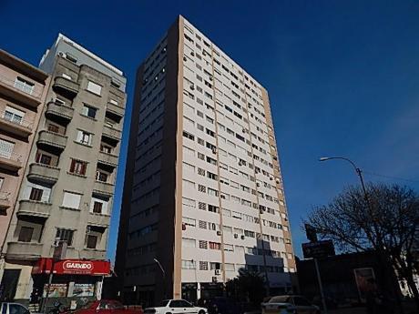 Apartamento Ubicado Pròximo A Facultad De Medicina