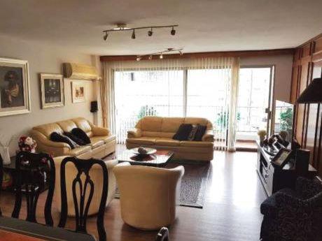 Venta De Apartamento 3 Dormitorios En Pocitos, Montevideo ,