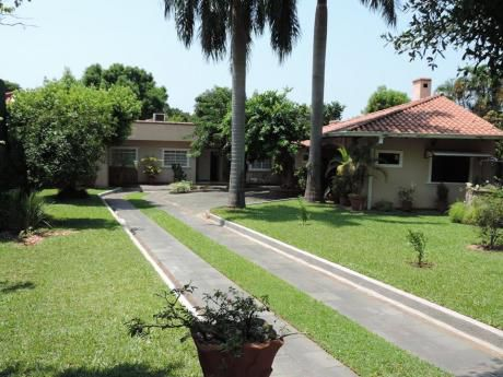 Se Vende Amplia Residencia En B° San Vicente