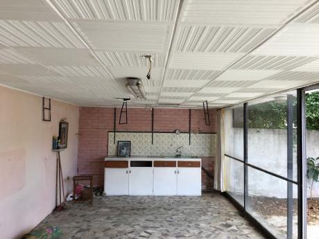 Casa En Punta Gorda A Metros De La Rambla