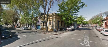 Apartamento En Alquiler De 2 Dormitorios En Cordón. Defensa Y D. Muñoz