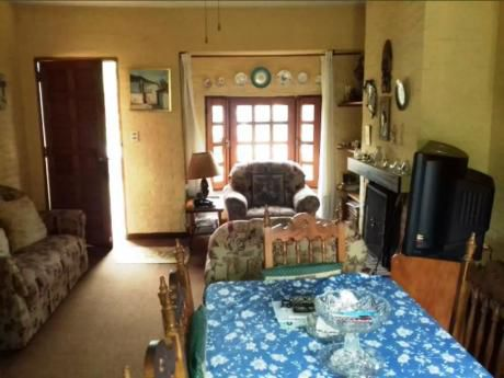 Venta De Casa Dos Dormitorios - Shangrila Sur