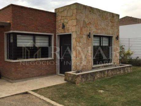 Apta Para Banco En El Pinar