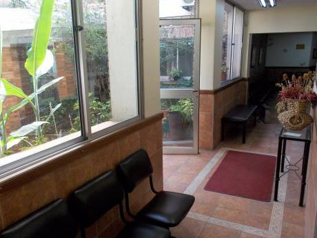 Clinica, Consultorios, Residencial. Próximo A Bvar España Y 21 De Setiembre.