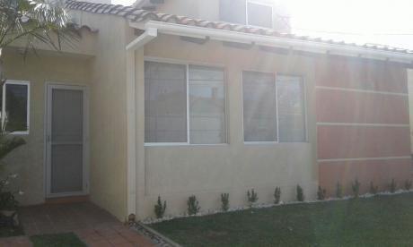 Inmobiliaria Ofrece; En Alquiler Casa Independiente, Zona Urbari