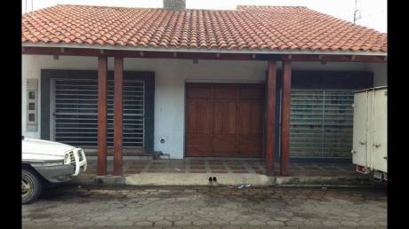 Casa En Venta En Calle Republiquetas