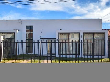 Hermosa Casa En Alquiler En El Remanzo III