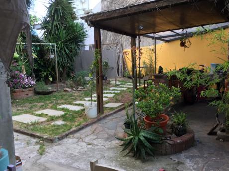 Venta De Casa En Pocitos, 3 Dorm, 3 Baños, Fondo, Barbacoa, Cochera