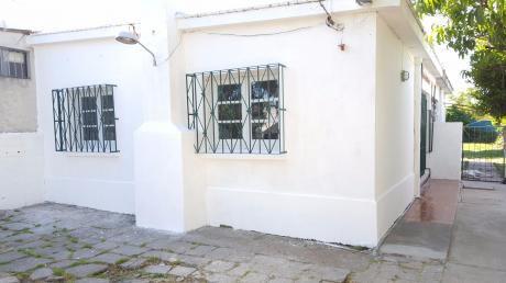 Casa 1 Dormitorio Con Entrada De Auto A Nuevo