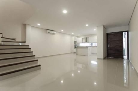 Vendo Espectacular Duplex A Metros Del Centro Paraguayo Japones