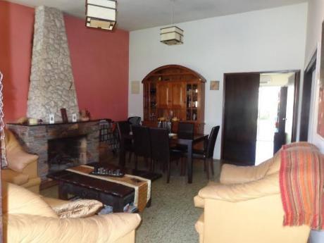 Casa En Malvin, 3 Dorm, Gran Fondo De 750 Mts