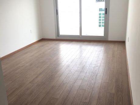 Un Dormitorio, Dos Patios !