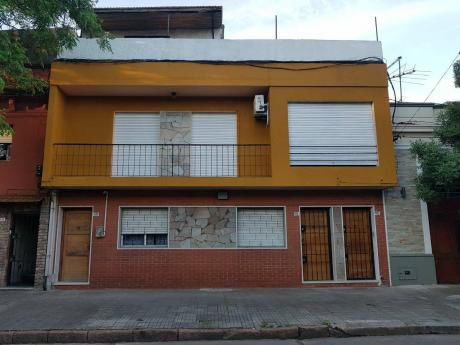 Amplia Casa De Altos Sobre Gallinal