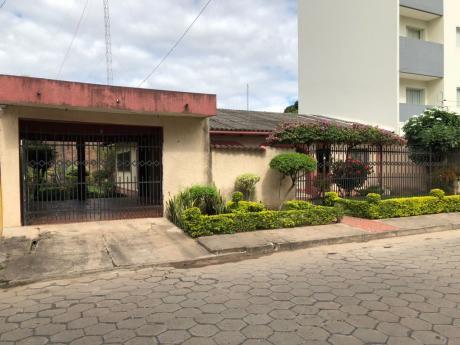 Casa En El Barrio Hamacas A Cuadras Del Colegio Saint George
