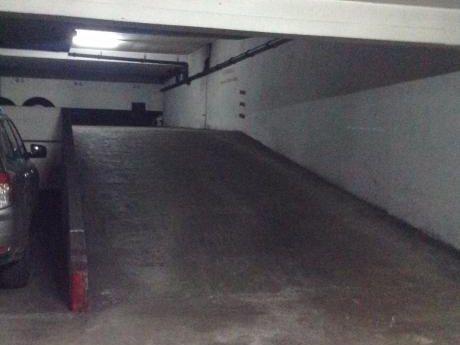 Garaje En El Corazón De Ciudad Vieja