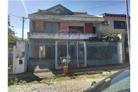 Casa En Barrio San Vicente Con Excelente Ubicación
