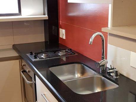 Apartamento 2 Dormitorios, Impecable En Cordón
