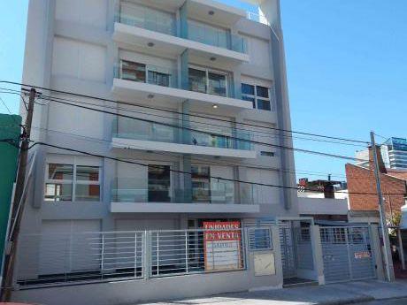 2 Dormitorios Buceo, A Pasos De La Rambla