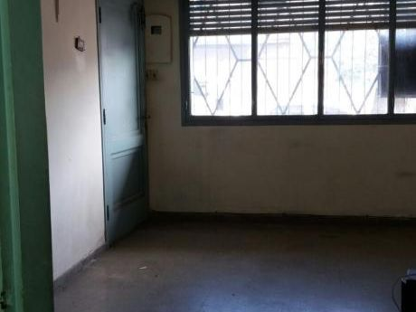Apartamento Con Garage Tipo Casita Pb, Sin Gastos Comunes