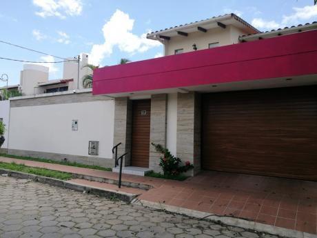 Casa Amoblada De 3 Dormitorios Con Piscina