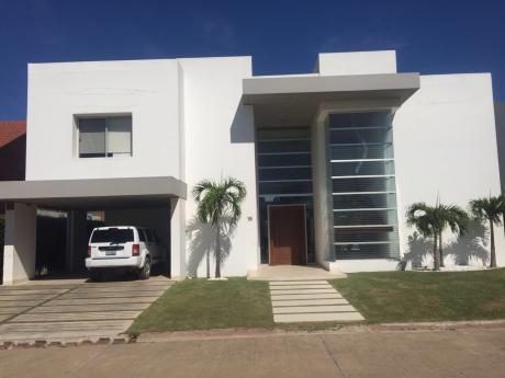 Casa En Venta Colinas Del Urubo, Sector I