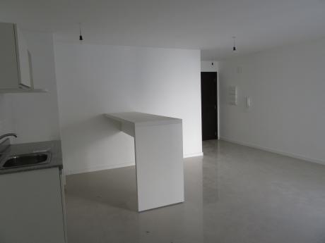 Estrena Hoy!!!2 Dormitorios Con Gran Terraza + Gge En Pleno Centro De Montevideo