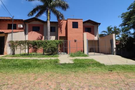 Vendo Casa En Luque, Barrio Villa Adela