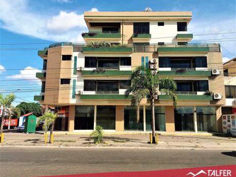 Edificio Completo De Departamentos Y Locales Comerciales Sobre El 4to. Anillo.