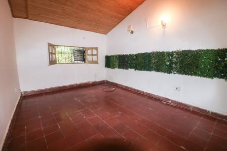 Alquilo Casa Para Oficina Barrio Mangal
