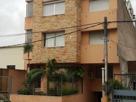 Apartamento De Dos Dormitorios Al Frente