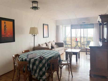 Piso Alto Con Vista Panoramica - 3 Dormitorios.