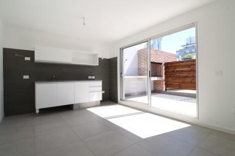 Oportunidad Apartamento A Estrenar De Dos Dormitorios, Terraza Con Parrillero!