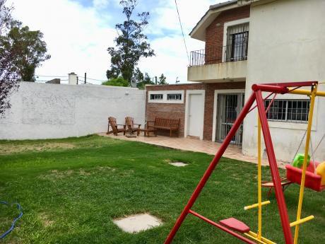 Amplia Casa - 150m De Rambla - 200m2 Construidos