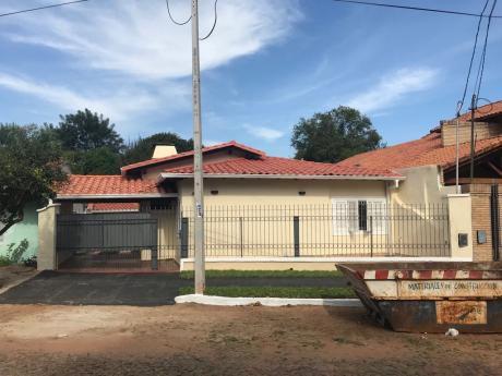 Casa Refaccionada A Nueva En Fdo. De La Mora - Zona Norte