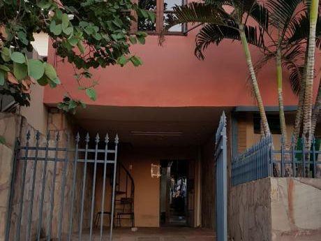 Alquilo Departamento Pequeño En Planta Alta En Recoleta - Incluye 1 Cochera.