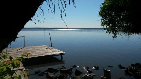 Vendo Casa Quinta Sobre El Lago Ypacarai De 4.160 M2 De Terreno
