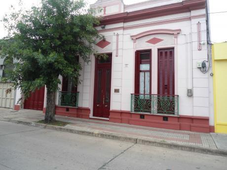 1056-CV Excelente Propiedad En El Centro De Minas, 3 Dormitorios.