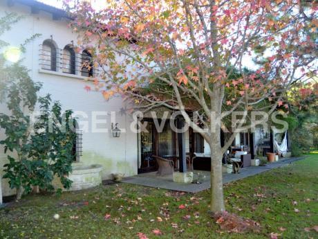 Hermosa Casa Con Fondo Al Lago