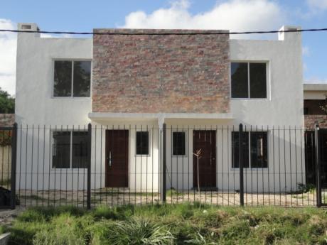 Estrene Amplio Duplex, En Zona Con Saneamiento