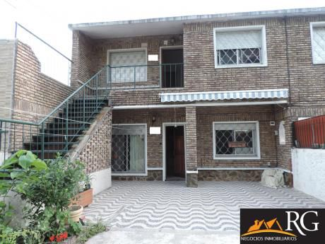 Casa De Altos En Malvin Ph 2 Dormitorios, Prox Servicios !